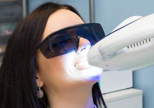 lampe-uv-pour-les-dents